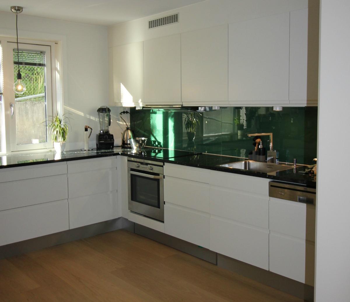 Kjøkkenet med ny beskyttelsesplate