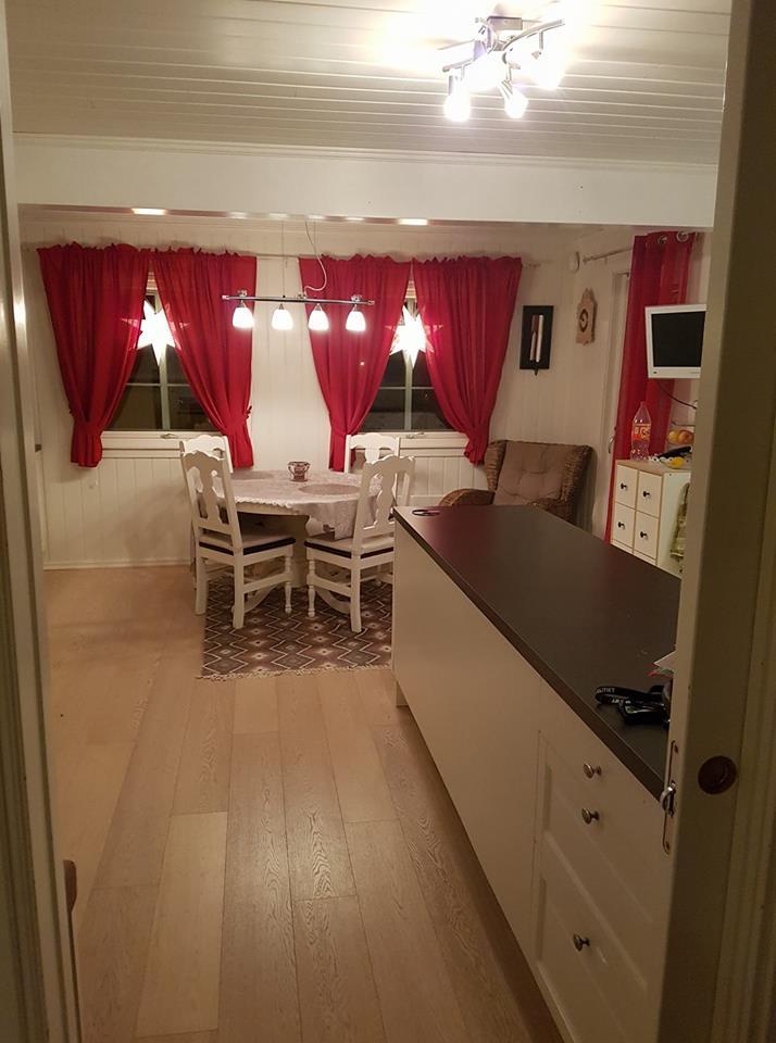 kjøkkenet før endring med for stor øy