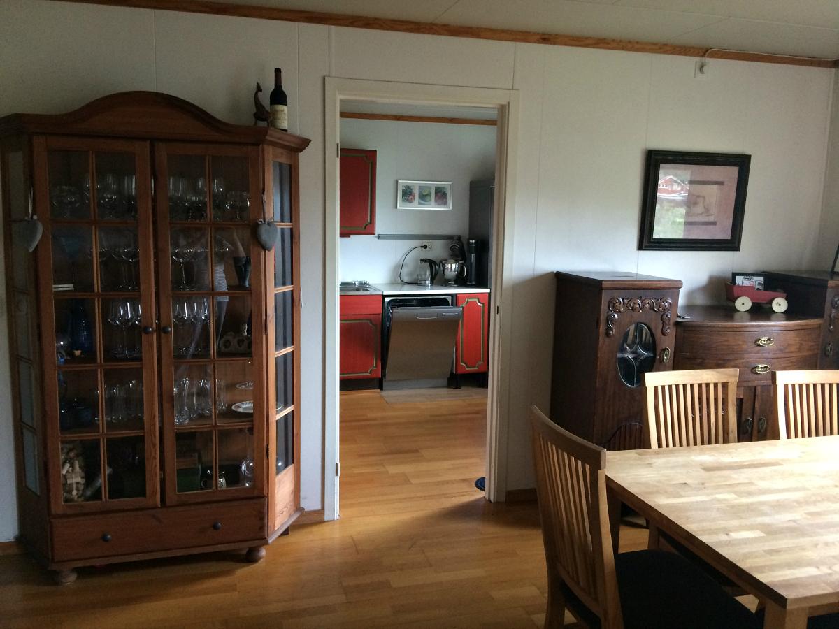veggen før fjernet mellom stue og kjøkken