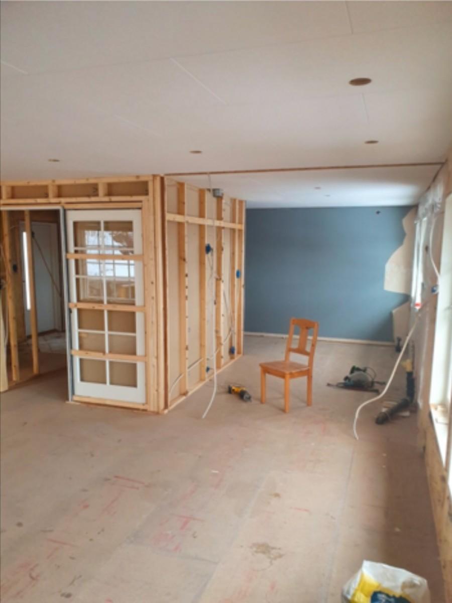 Vegg mellom kjøkken og stue rives